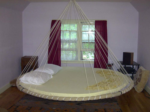 Round Alternative Floating Bed